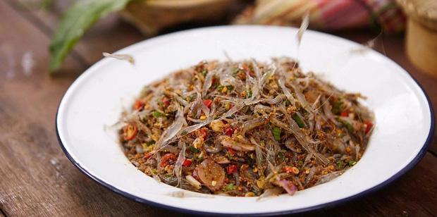 Cận cảnh món ăn sống còn nhảy tanh tách, nhìn vào ai cũng muốn bỏ chạy ở Thái Lan-1