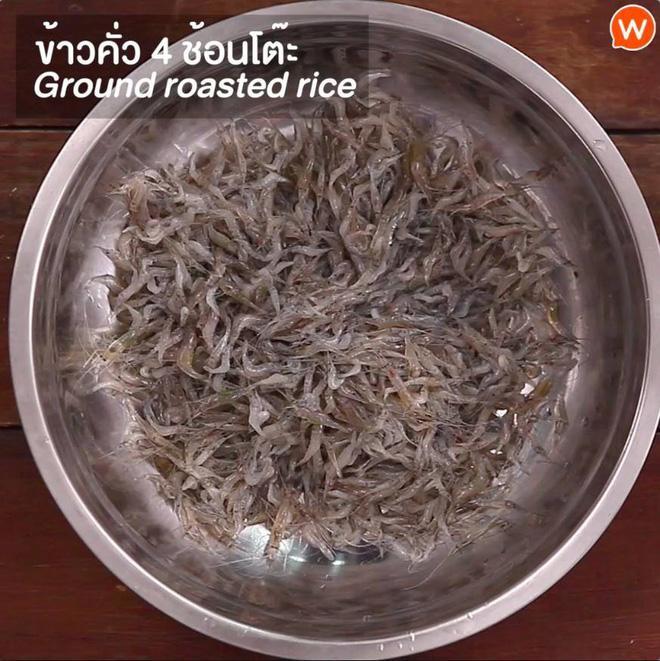 Cận cảnh món ăn sống còn nhảy tanh tách, nhìn vào ai cũng muốn bỏ chạy ở Thái Lan-2