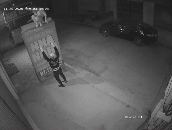 Thanh niên diện áo Gucci rủ bạn gái đi nhà nghỉ, chưa hết đêm đã kéo nàng dậy leo ban công bỏ trốn bùng tiền thuê phòng-1