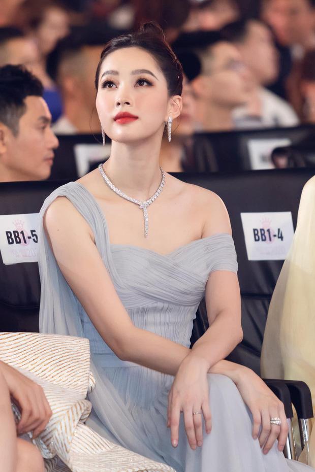 Đặng Thu Thảo gây ngỡ ngàng khi đội thử vương miện Hoa hậu Thế giới-3