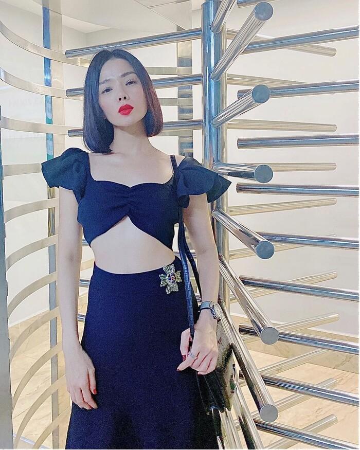 Sau ly hôn, Lệ Quyên ăn mặc ngày càng táo bạo, đến mức bị fan nhắc nhở-10