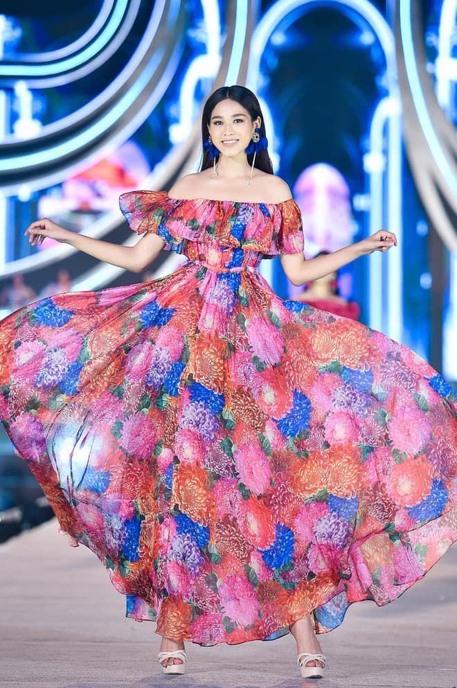Nhan sắc Hoa hậu Đỗ Thị Hà tham gia gameshow gây tranh cãi: Đại trà, tiêm botox-10