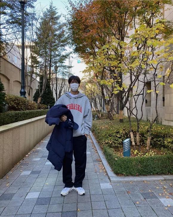 Giàu có, nổi tiếng nhưng Lee Min Ho tiết kiệm đến mức mặc đi mặc lại 1 chiếc áo trong vòng 3 năm-1