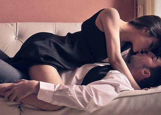 Lên giường phụ nữ biết tạo ma trận yêu kiểu này, đảm bảo đàn ông cứng rắn cỡ nào cũng tan chảy-1