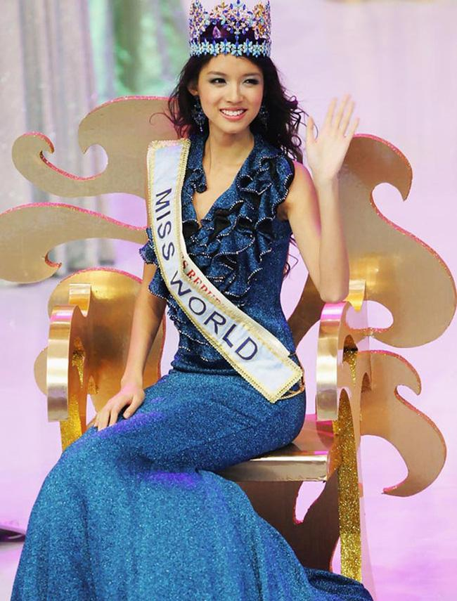 Hơn 4 tuổi đã sở hữu nhan sắc và chiều cao nổi bật, con gái Hoa hậu Thế giới Trương Tử Lâm leo top hot search-6
