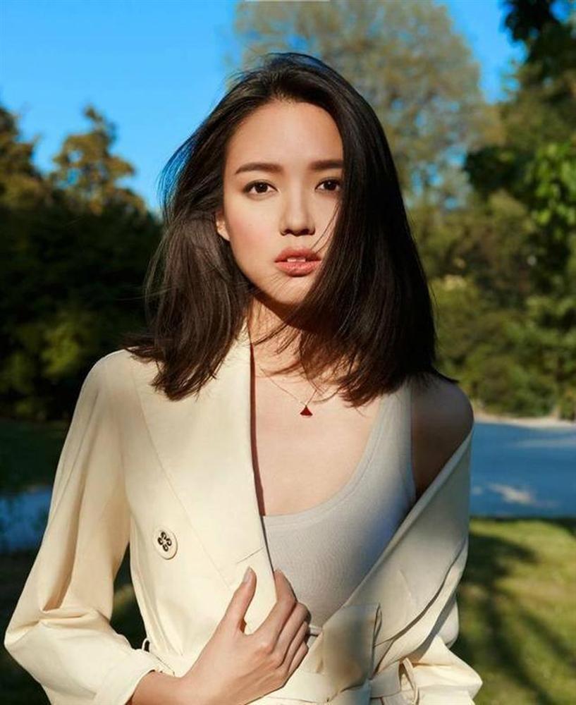 Hơn 4 tuổi đã sở hữu nhan sắc và chiều cao nổi bật, con gái Hoa hậu Thế giới Trương Tử Lâm leo top hot search-7
