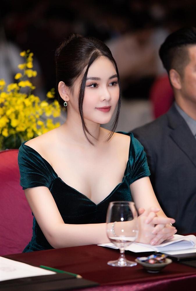 Nhan sắc hiện tại của những Hoa hậu Việt bị chê xấu khi đăng quang, kì lạ thay ngày càng đẹp-11