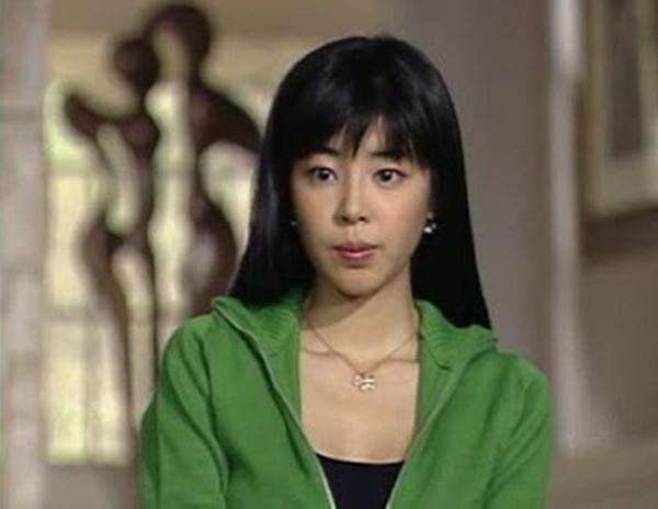Mỹ nhân Giày Thuỷ Tinh sau 18 năm: Ác nữ đóng cảnh bỏng mắt, tuổi U50 phim vận vào đời-6