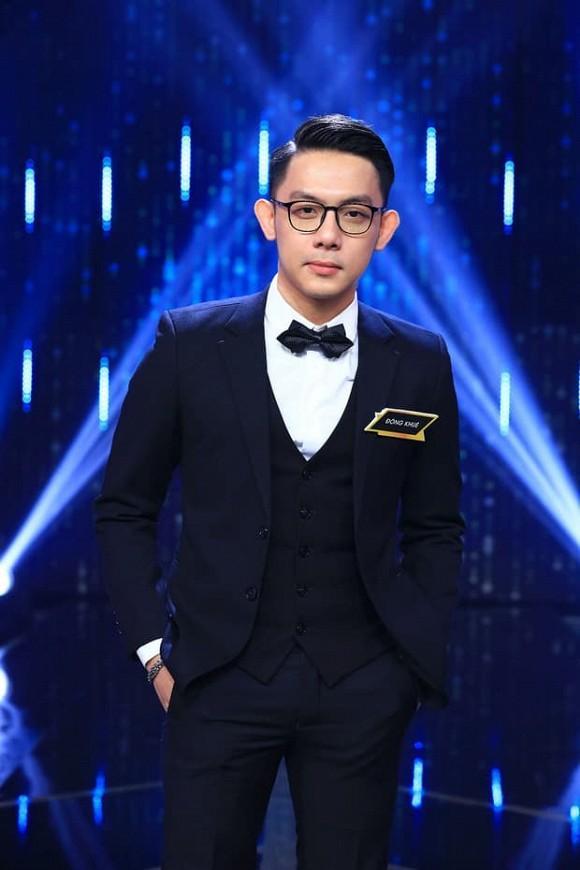 CEO 21 tuổi Tống Đông Khuê sở hữu BST xế hộp gần trăm tỷ đồng-1