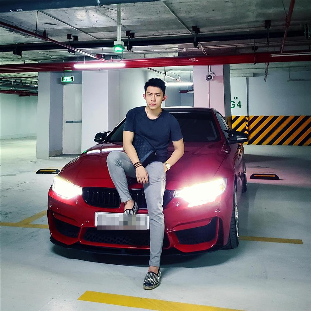 CEO 21 tuổi Tống Đông Khuê sở hữu BST xế hộp gần trăm tỷ đồng-7