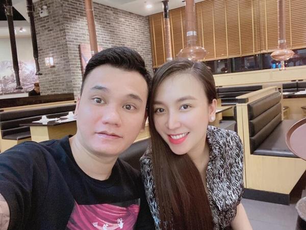 Nhan sắc 3 mỹ nhân Việt sinh đôi sau 1 tháng vượt cạn-10