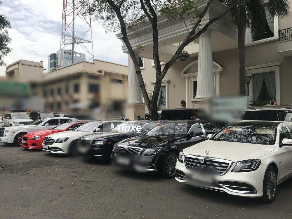 Choáng ngợp dàn siêu xe Phan Thành mang đi hỏi vợ, dẫn dầu là Rolls-Royce Wraith 34 tỷ-4