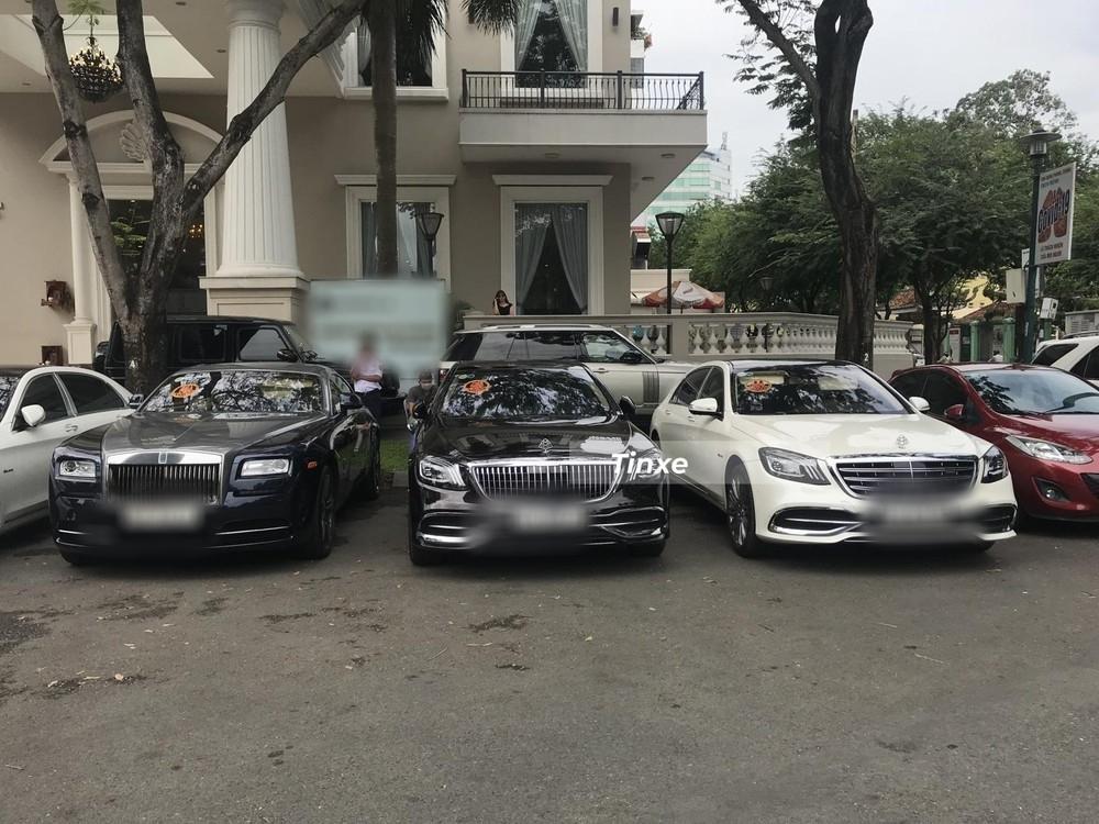 Choáng ngợp dàn siêu xe Phan Thành mang đi hỏi vợ, dẫn dầu là Rolls-Royce Wraith 34 tỷ-3