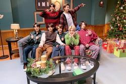 BTS phân thân, bài hát ý nghĩa, ngay cả background cũng phải chân thực mới chịu