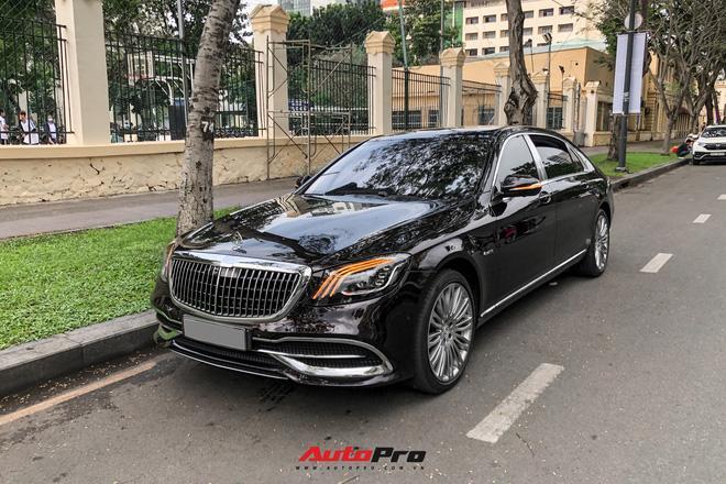 Choáng ngợp dàn siêu xe Phan Thành mang đi hỏi vợ, dẫn dầu là Rolls-Royce Wraith 34 tỷ-17