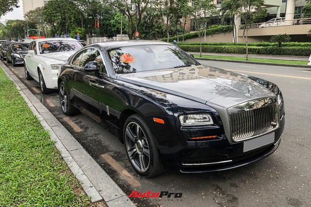 Choáng ngợp dàn siêu xe Phan Thành mang đi hỏi vợ, dẫn dầu là Rolls-Royce Wraith 34 tỷ-7