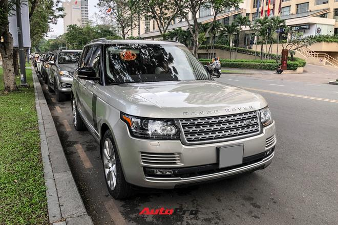 Choáng ngợp dàn siêu xe Phan Thành mang đi hỏi vợ, dẫn dầu là Rolls-Royce Wraith 34 tỷ-12