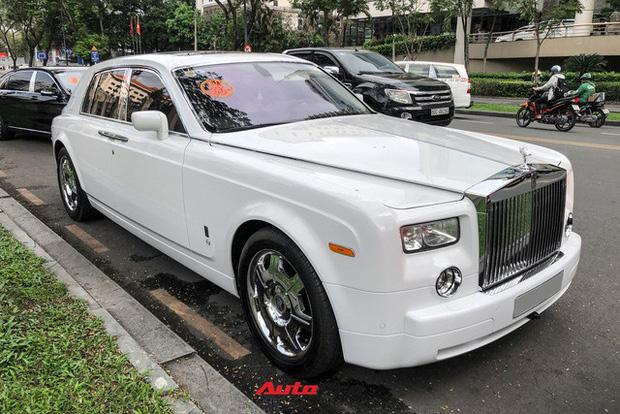 Choáng ngợp dàn siêu xe Phan Thành mang đi hỏi vợ, dẫn dầu là Rolls-Royce Wraith 34 tỷ-8