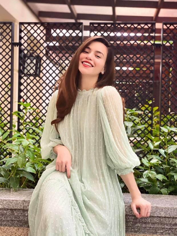 Tái xuất sau sinh: Hà Hồ diện váy cô dâu, Đàm Thu Trang mặc đầm trắng chặt chém không kém-4