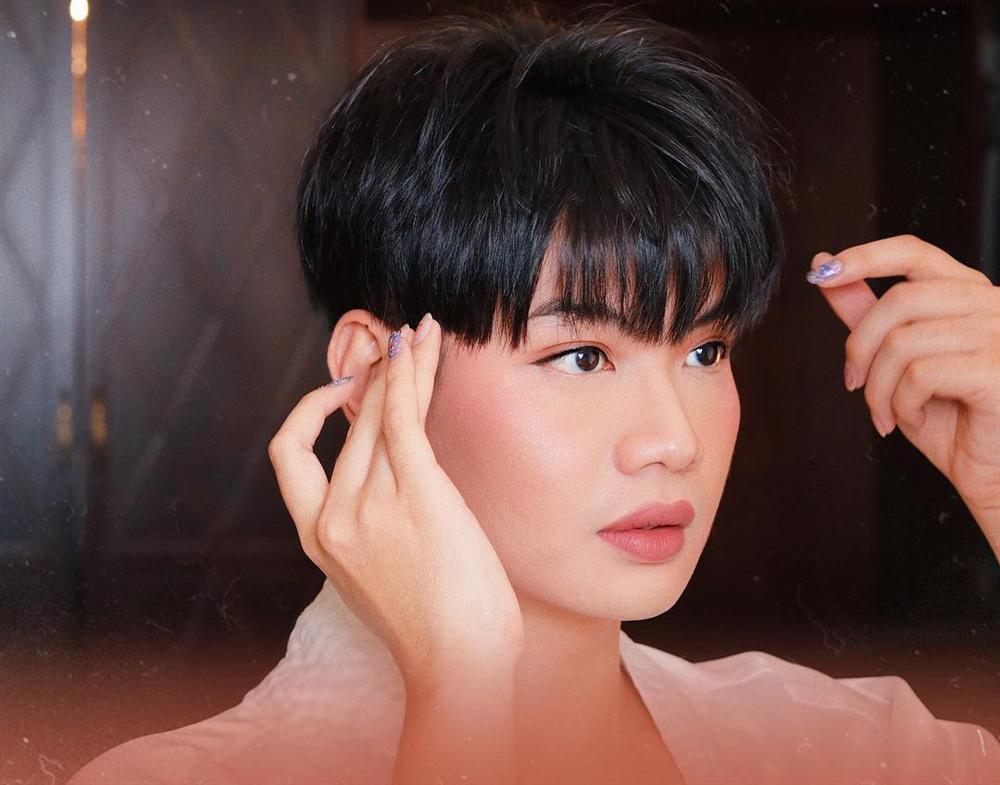 Khen bạn trai nức nở, Đào Bá Lộc bị bắt lỗi sai giống hệt Hương Giang-2