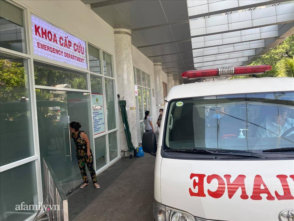 TP HCM: Bé gái 3 tuổi bị đánh xuất huyết não, dập lá lách, nghi do mẹ đẻ bạo hành-1