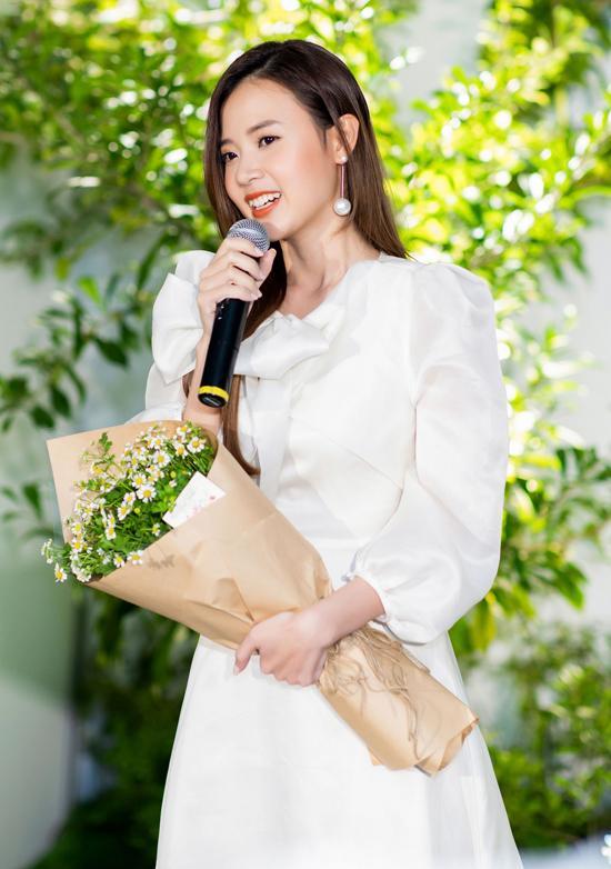Phan Thành đã là chồng người ta, vậy hôn thê cũ Midu giờ sống ra sao?-9