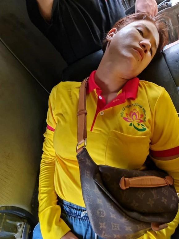 Trang Trần gặp hành trình từ thiện bão táp: Xe vỡ kính, tưởng lao xuống vực-3