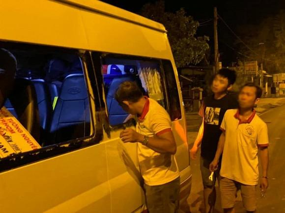 Trang Trần gặp hành trình từ thiện bão táp: Xe vỡ kính, tưởng lao xuống vực-7