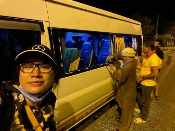 Trang Trần gặp hành trình từ thiện bão táp: Xe vỡ kính, tưởng lao xuống vực-6