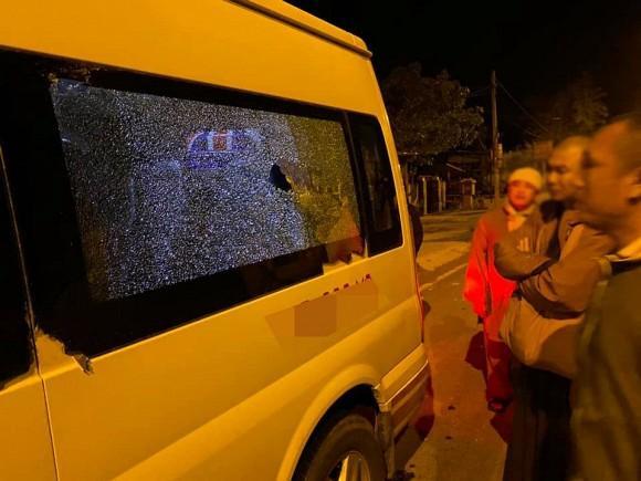 Trang Trần gặp hành trình từ thiện bão táp: Xe vỡ kính, tưởng lao xuống vực-5
