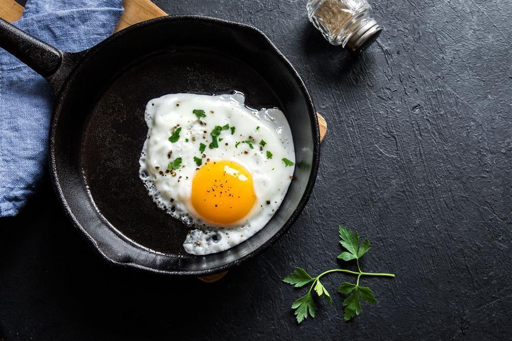 Ăn trứng không chuẩn thế này chỉ rước độc tố vào người, bỏ gấp kẻo tiền mất tật mang-2