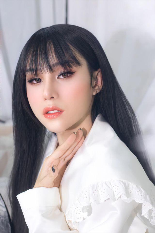 Thí sinh Hoa hậu chuyển giới kể lại hành trình dao kéo lột xác không tưởng-5