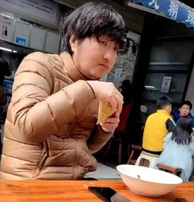 Vương Đại Trị sống chật vật sau scandal ngoại tình Đổng Khiết-1