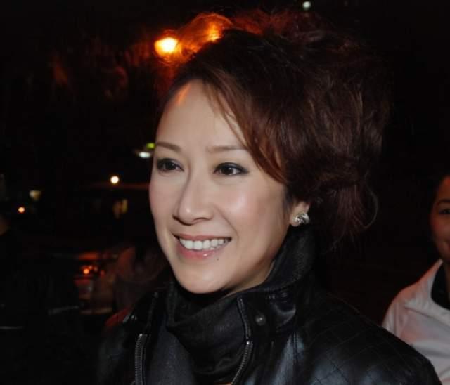 Trải nghiệm ngủ trong túi đựng xác chết không thể quên của nghệ sĩ lão làng TVB-3