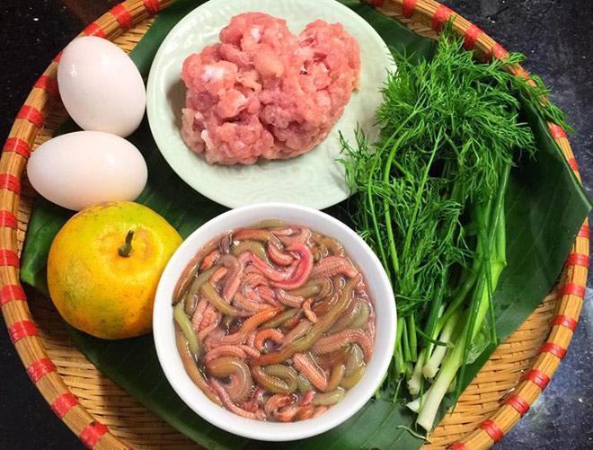 Báo nước ngoài vinh danh những món ăn đường phố Việt ngon nhất mà bạn nhất định phải thử-1