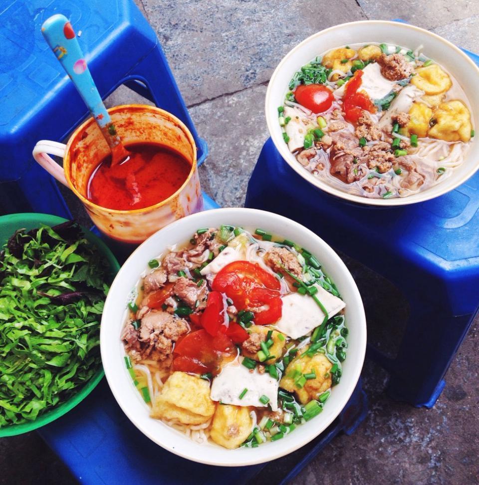 Báo nước ngoài vinh danh những món ăn đường phố Việt ngon nhất mà bạn nhất định phải thử-7