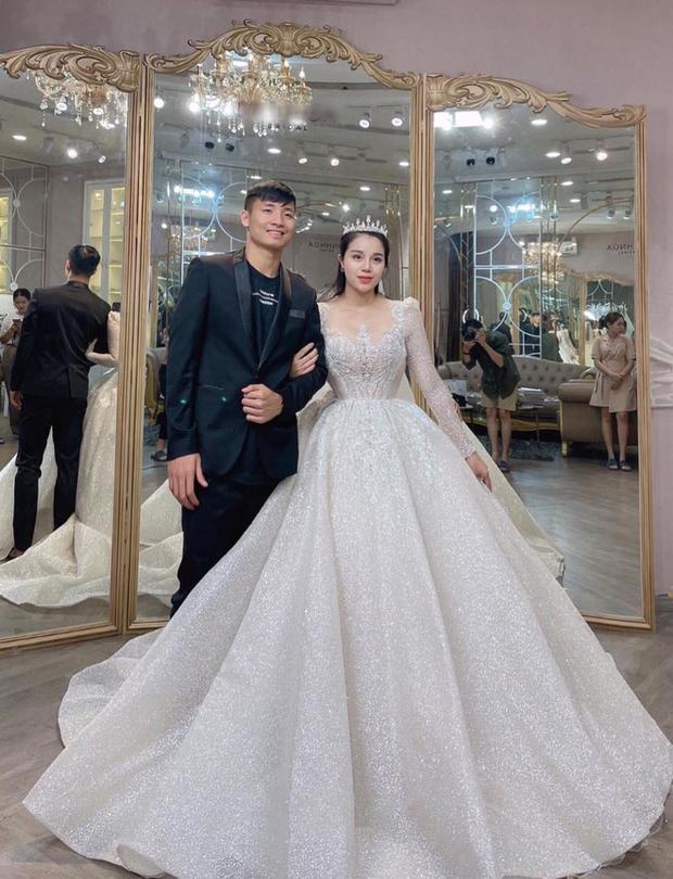 Bùi Tiến Dũng và Khánh Linh tổ chức đám cưới tại 3 địa điểm-1