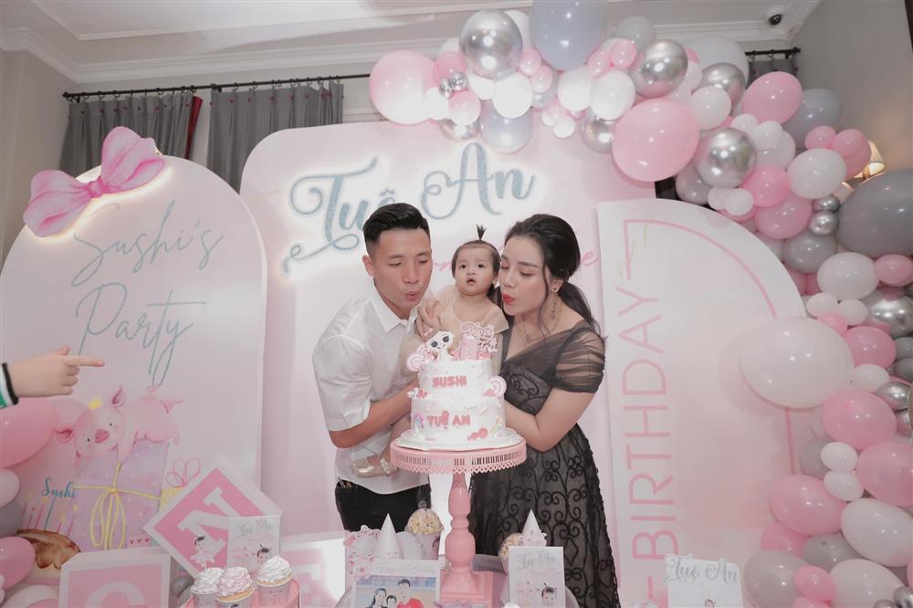 Bùi Tiến Dũng và Khánh Linh tổ chức đám cưới tại 3 địa điểm-3