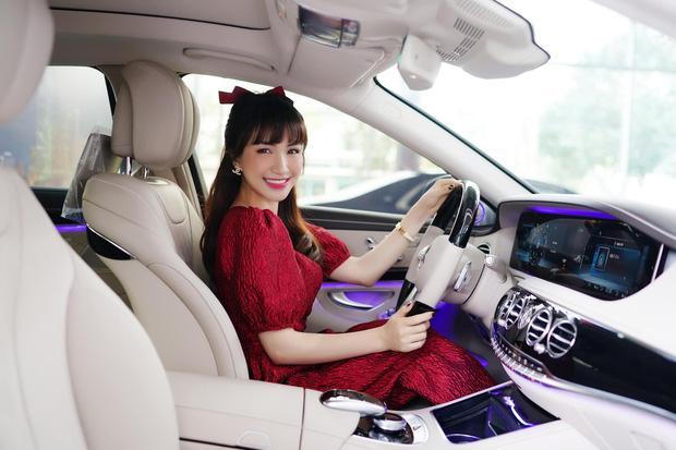 Vì sao Hòa Minzy tự bỏ tiền túi mua xe hơi 5 tỷ dù chồng giàu?-1