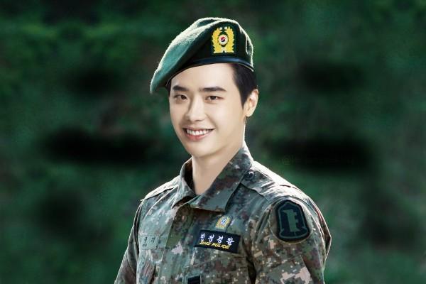 Mọt phim Hàn chào đón màn xuất ngũ của 2 sao nam đình đám trong năm 2021-2