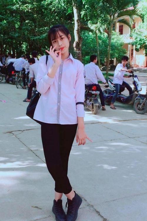 Loạt ảnh ô mai chưa từng công bố của Hoa hậu Đỗ Thị Hà: Đôi chân dài vượt trội-3