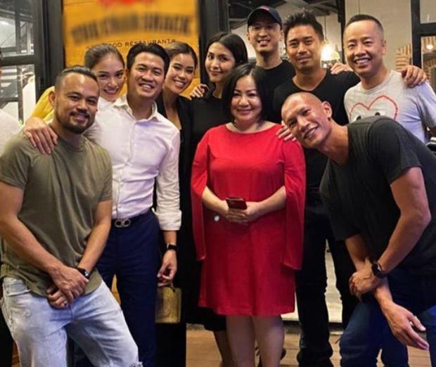 Linh Rin - Phillip Nguyễn gây chú ý khi tham dự tiệc gia đình là ôm ấp không rời-6