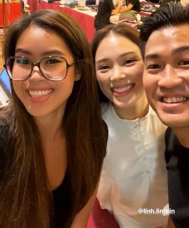 Linh Rin - Phillip Nguyễn gây chú ý khi tham dự tiệc gia đình là ôm ấp không rời-5