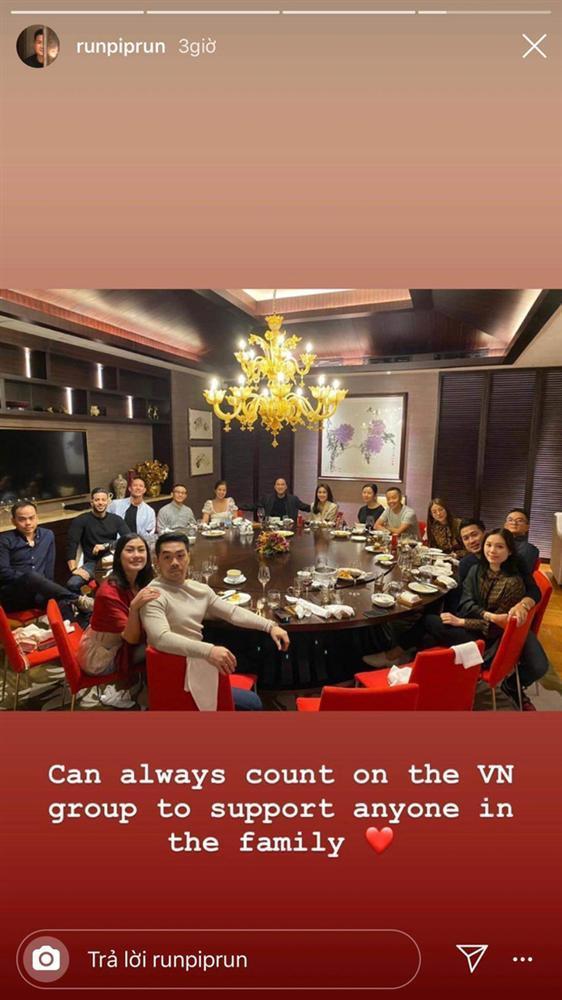 Linh Rin - Phillip Nguyễn gây chú ý khi tham dự tiệc gia đình là ôm ấp không rời-3