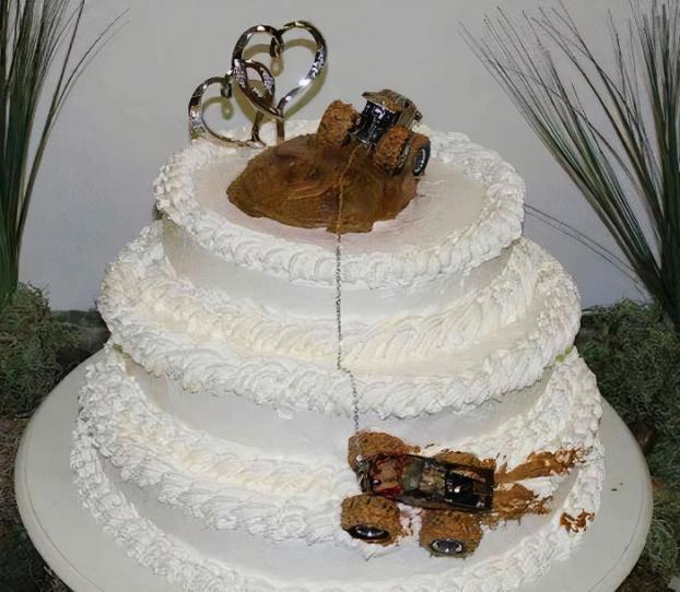 Những ý tưởng bánh cưới vượt xa sự kỳ vọng của chủ nhân, cô dâu chú rể đứng hình khi nhìn tác phẩm-1