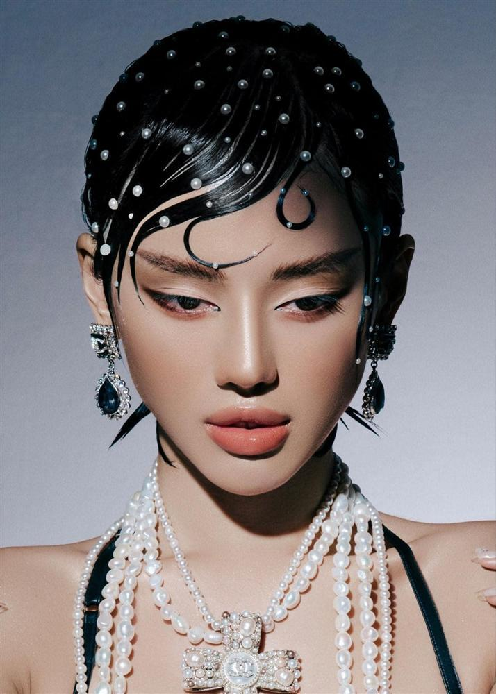 Hương Tràm hậu thẩm mỹ xinh xuất sắc - Thụy Vân mặt lộ nguyên chảo dầu-7