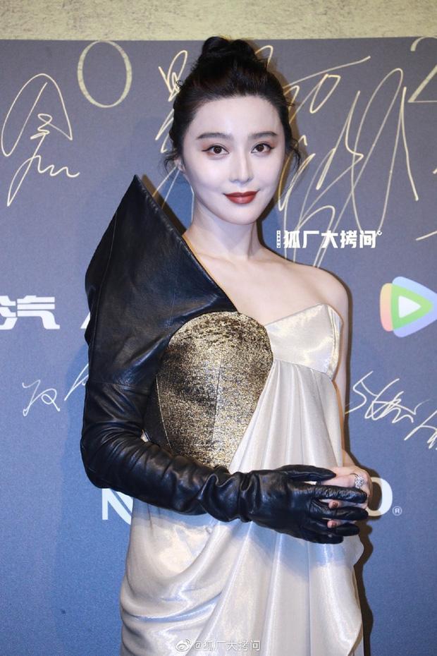 Hương Tràm hậu thẩm mỹ xinh xuất sắc - Thụy Vân mặt lộ nguyên chảo dầu-5