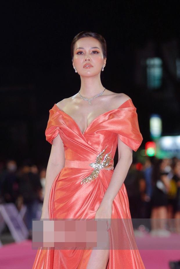 Hương Tràm hậu thẩm mỹ xinh xuất sắc - Thụy Vân mặt lộ nguyên chảo dầu-4