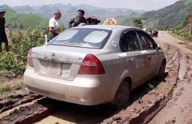 Tử hình 3 tên cướp người Trung Quốc sát hại tài xế taxi rồi bỏ thi thể xuống sông-1