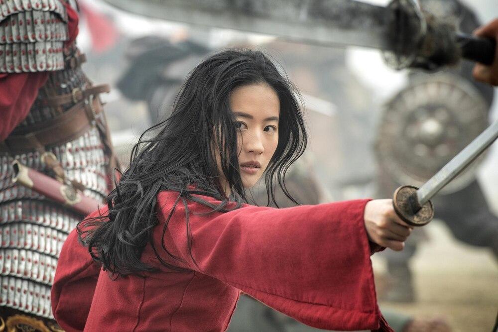 Bị chỉ trích diễn xuất trong Hoa Mộc Lan, Lưu Diệc Phi được đạo diễn Trương Kỷ Trung lên tiếng bảo vệ-3